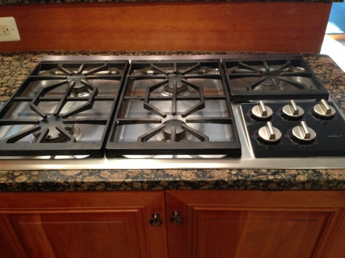 Finally, after all these years....a beautiful gas cooktop.